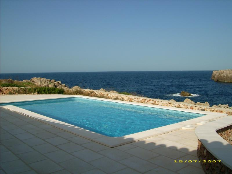 Ficula Nou Sea Frontline House, holiday rental in Cala d'Alcaufar