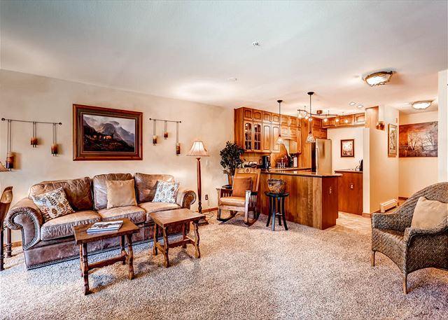 Tyra Streamside Living Area Breckenridge Verblijf
