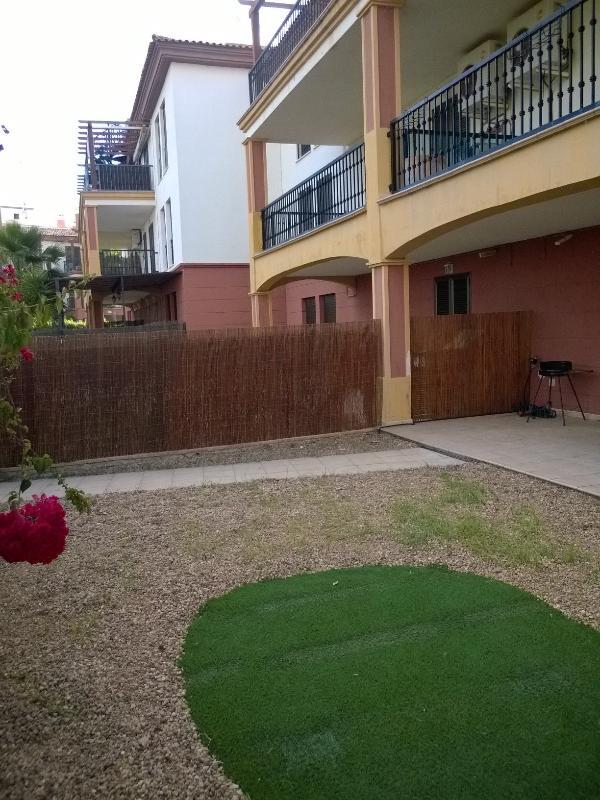 Terraza y jardin privado