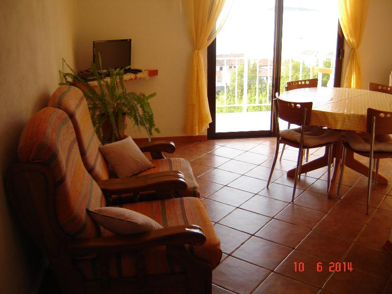 Apartment A-2 Josip Pe?arevi?, holiday rental in Vis