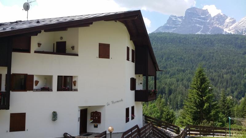 Un'altra veduta della casa dall'esterno