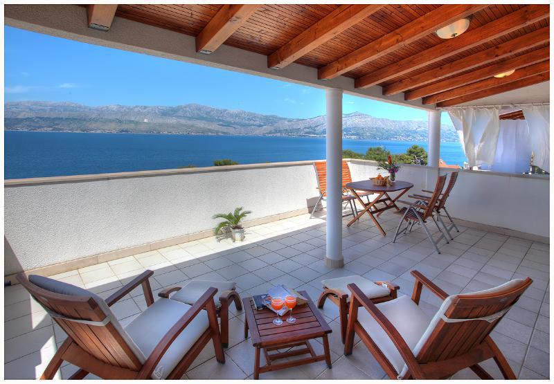 Villa Stella - C1 seaview, location de vacances à Postira