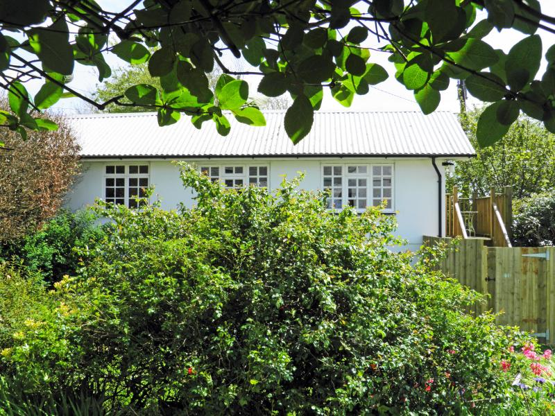 Stunning bespoke Studio, far reaching views over Bodmin Moor with private garden and large balcony.