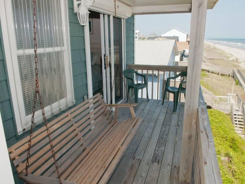 Upper Deck / Balcony
