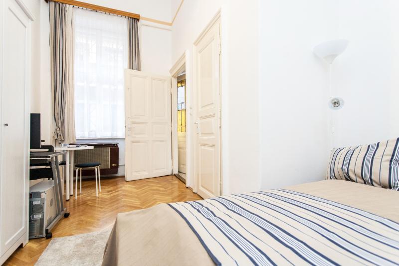Oktogon Studio Apartment, alquiler vacacional en The Republic of Zubrowka