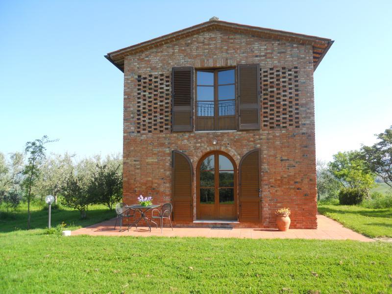 Charming cottage in Asciano - Crete senesi, casa vacanza a Asciano