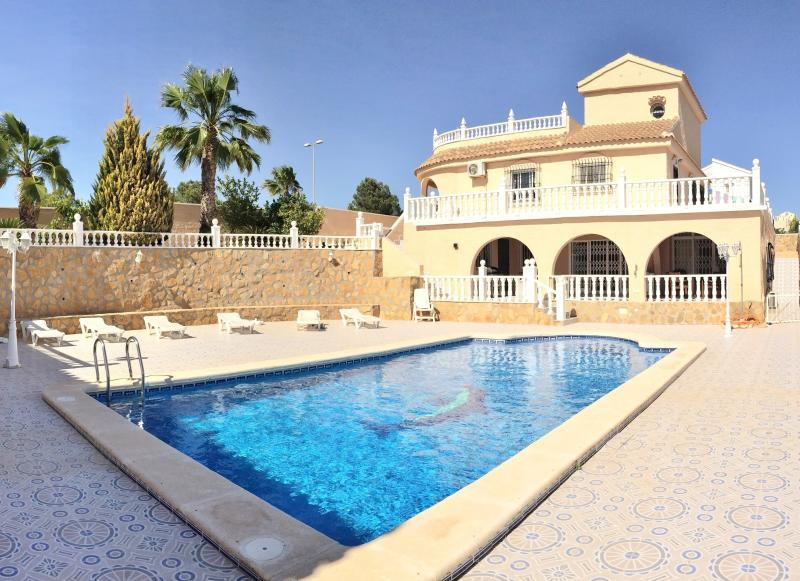 Isabella Villa, Pool and Garden