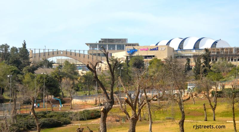 Adjacent to Cinema city, the largest entertainment center in Jerusalem.