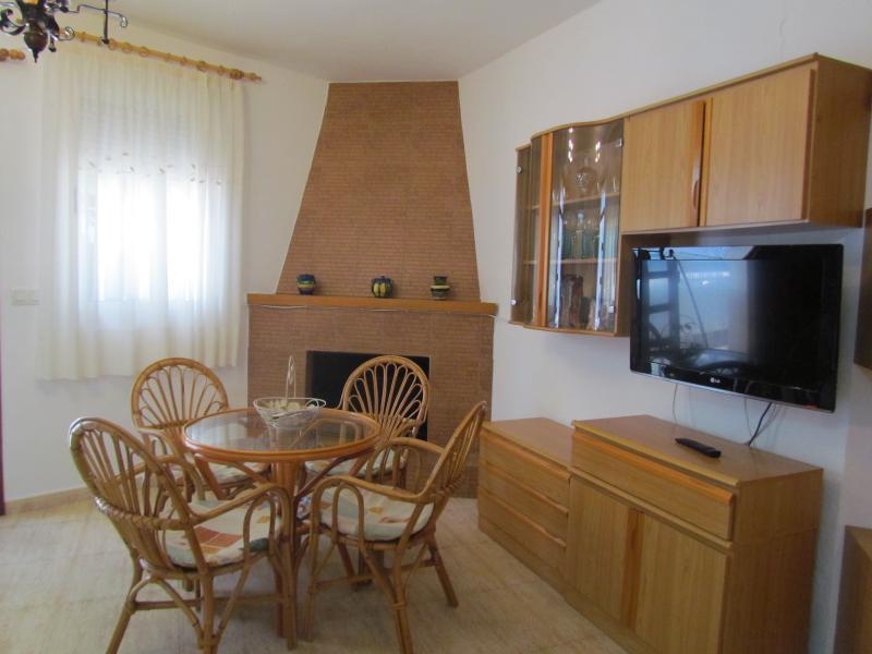 APARTAMENTO  MIRLO, holiday rental in Agua Amarga
