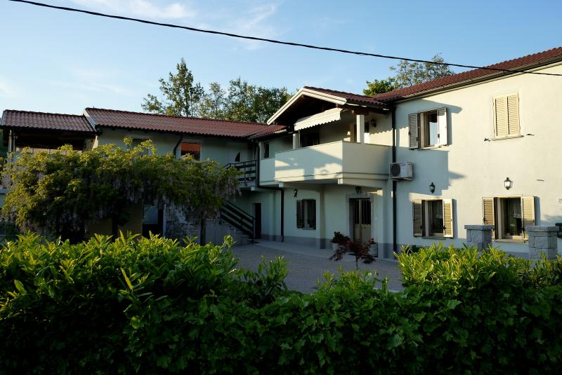 Apartma Gaja, holiday rental in Crni Kal