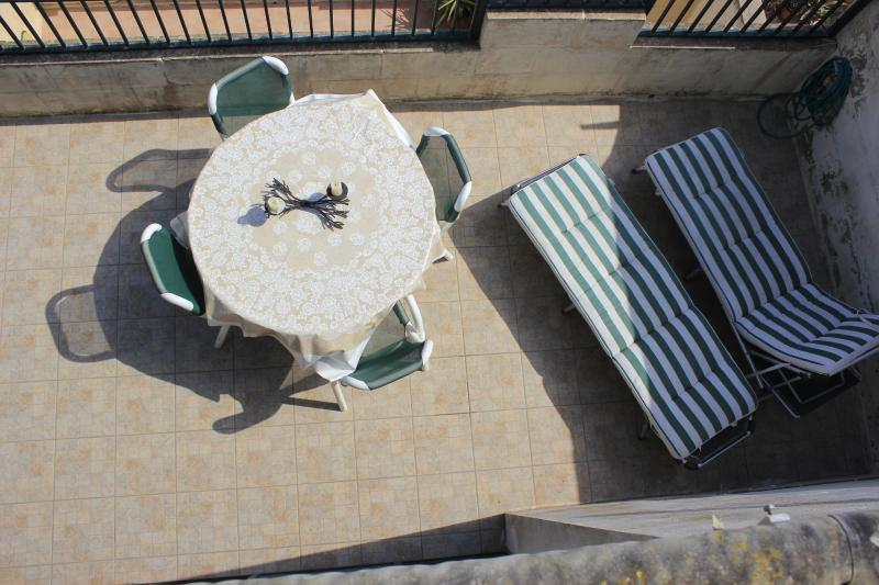 Ideal for sunbathing and eating al fresco