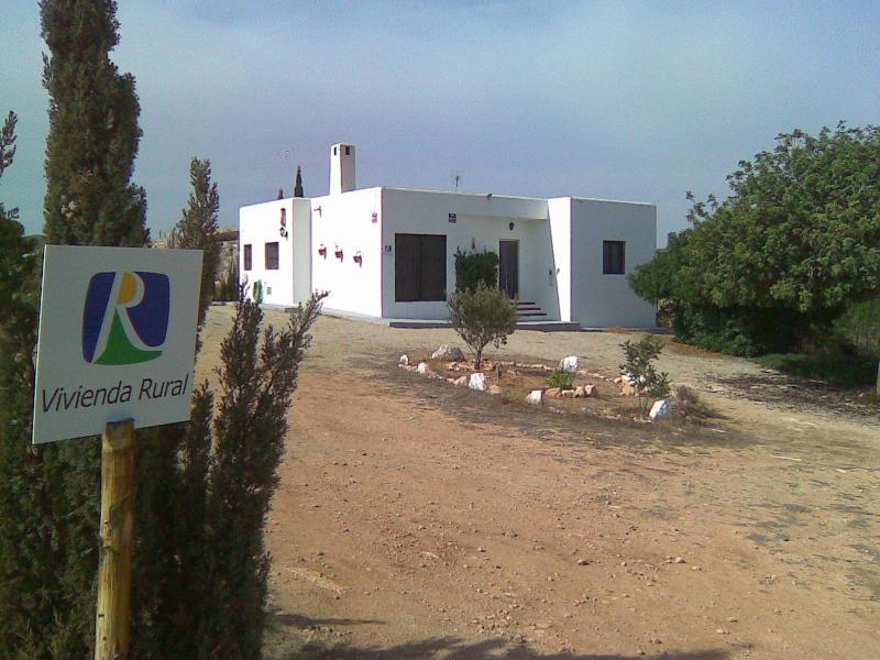 VIVIENDA TURISTICA DE ALOJAMIENTO RURAL EN AGUAMARGA, vacation rental in Agua Amarga