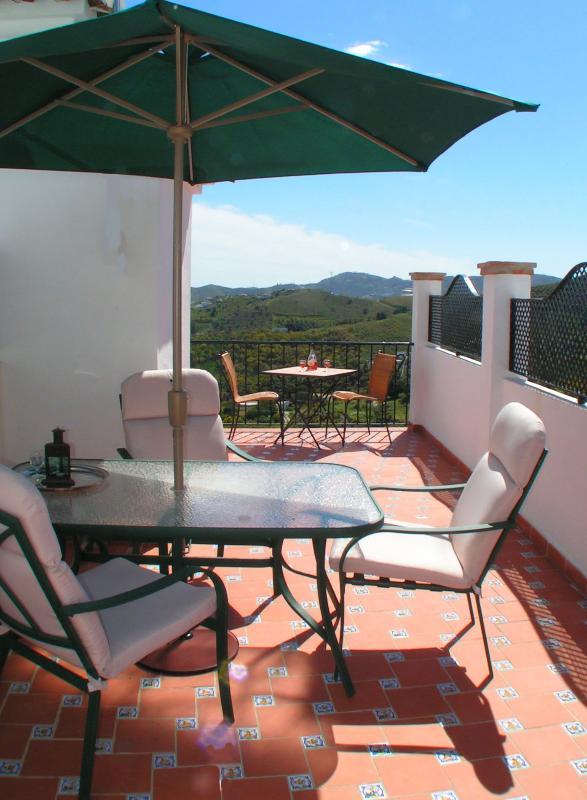Enjoy an al fresco diner in the terrace
