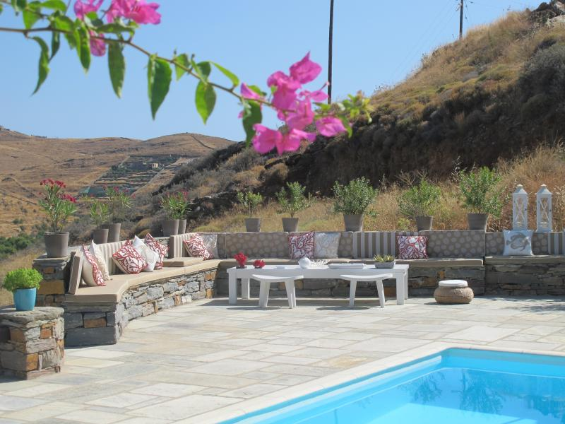 Villa Light, holiday rental in Vourkari