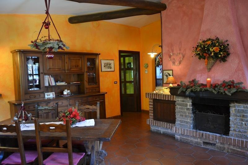Romantica casa vacanza nel Monferrato con giardino, casa vacanza a Bistagno