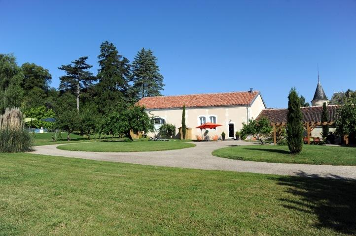 Domaine du Treuil - Le verger, holiday rental in Saint Hilaire de Villefranche