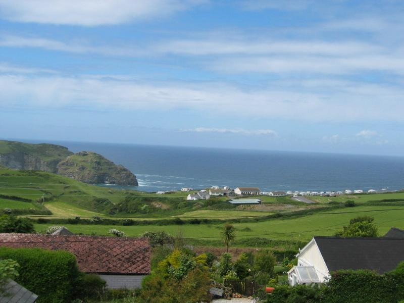Boskenna- Large house great sea views - Tintagel, vacation rental in Tintagel