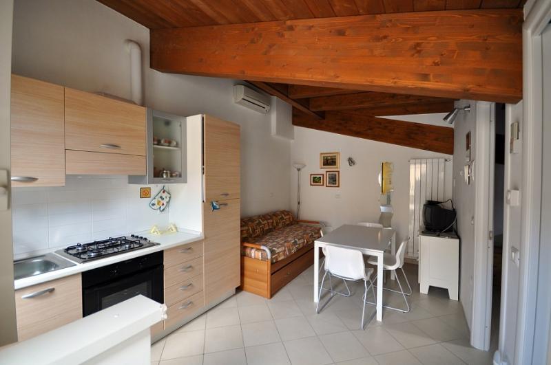 Casa Mafalda graziosa mansarda al mare, holiday rental in Torre di Cerrano