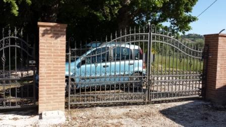 Private gate