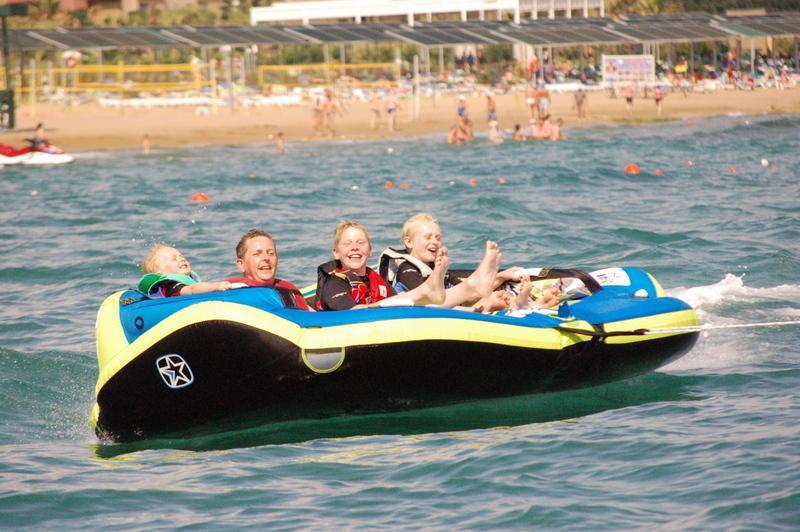 Lado oferece uma completa variedade de desportos aquáticos