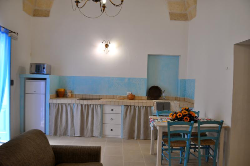 LA CORTE DEI COLORI - Turchese, holiday rental in Vaste