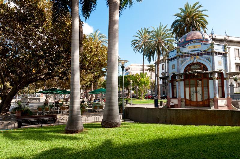 Parque San Telmo. Una parada ideal para tomar café tras las compras en la calle Mayor de Triana.