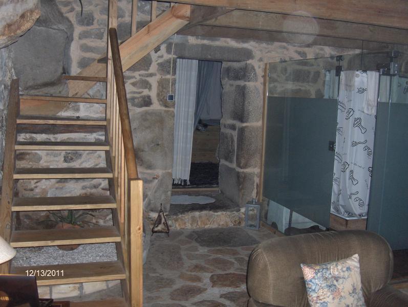 Escadas de acesso à cave