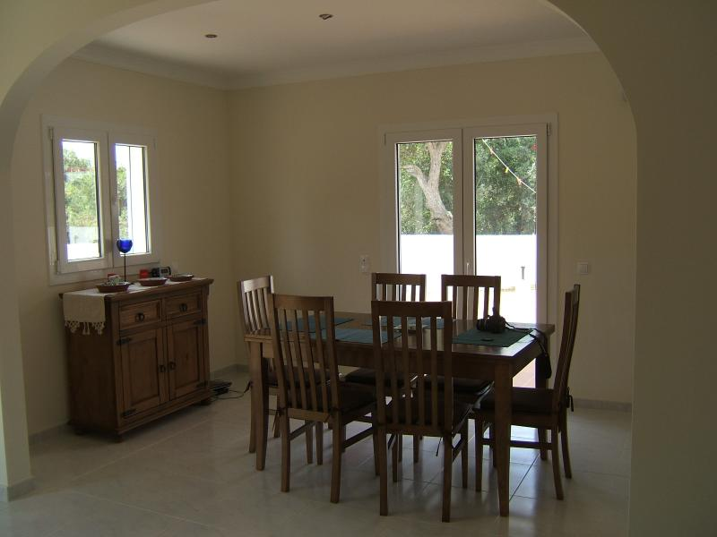 Dining area - plenty of room - with air conditioning/heating unit