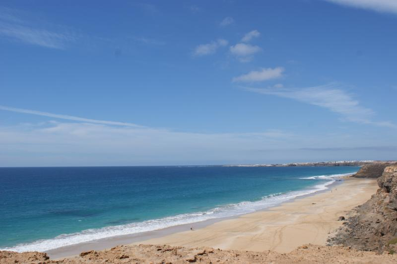 Piedra Playa (15 min walk from the resort) Surf spots for all levels