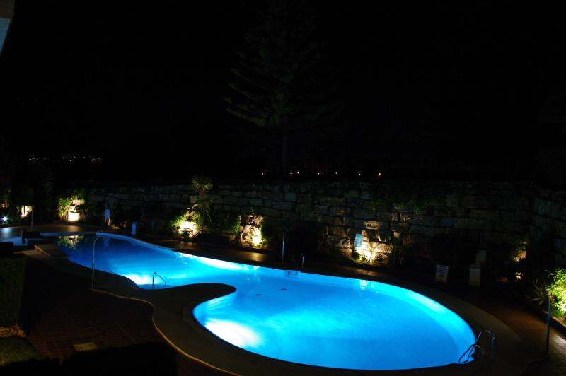 lado da piscina