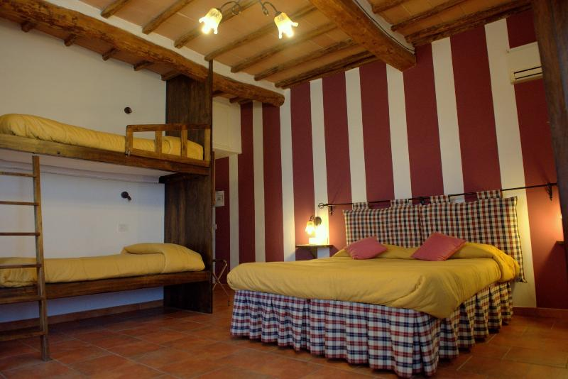 room for 4 people - PAPAVERO -, vacation rental in San Rocco a Pilli