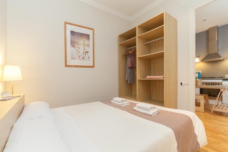 3 Bedrooms Apartment Sagrada Familia B