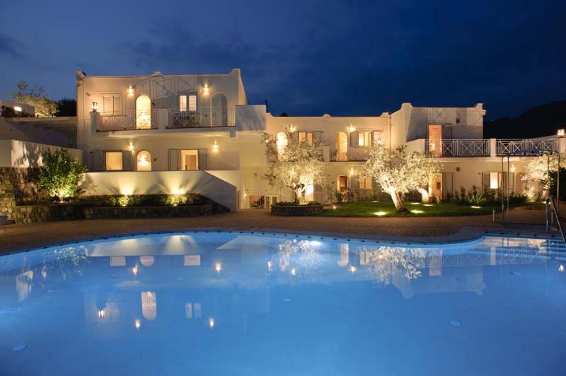 Suite Petrasia PI2012_278, location de vacances à Fortino