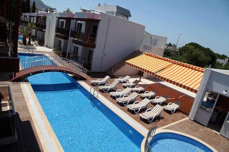 Siesta Garden Holiday Apartment.03, holiday rental in Turgutreis