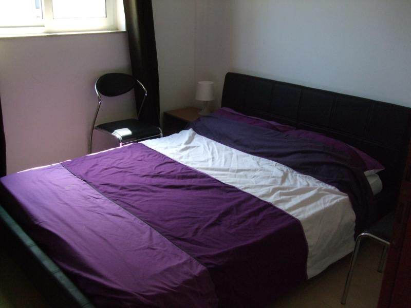 1 Bedroom apt 1min close to sea sleeps 4 persons, holiday rental in Sliema