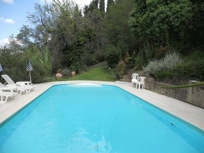 The pool paved with Travertino marble