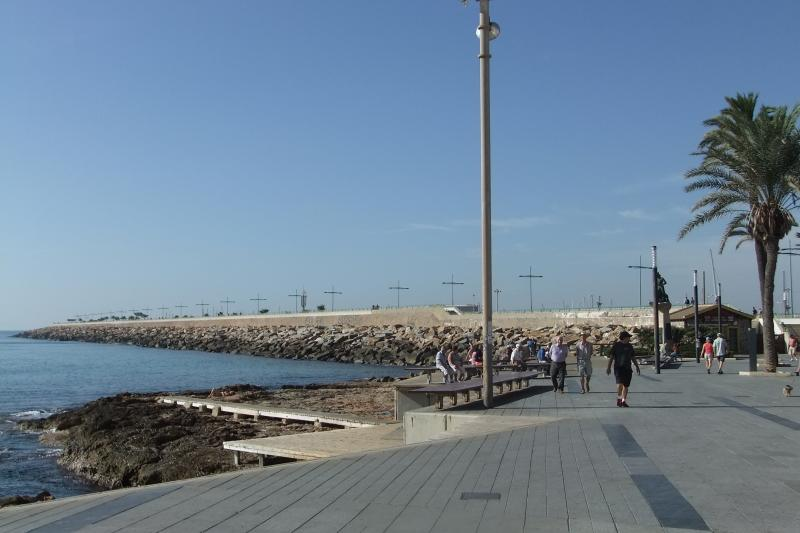 The Harbour Walk (starts about 80m from Apartment front door)