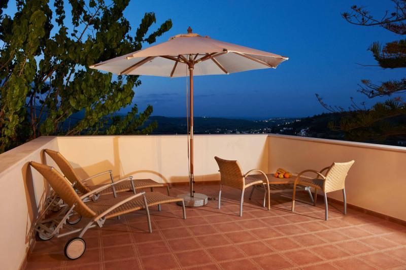 Erontas Villa - véranda avec vue imprenable