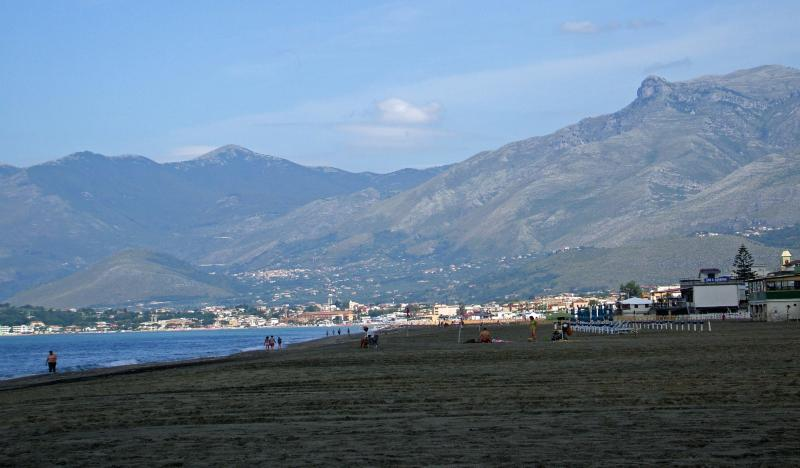 Mountain, sea and great food in one day: Scauri is the place for an unforgettable holiday...