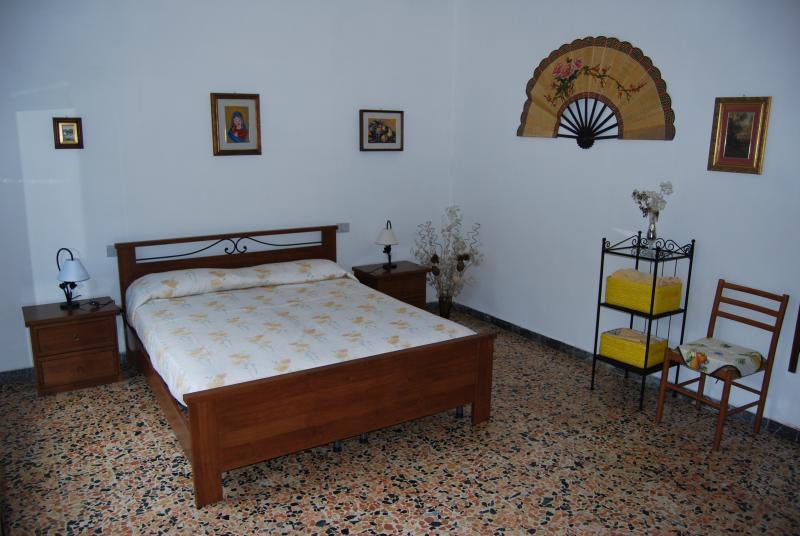 camera matrimoniale appartamento Viola