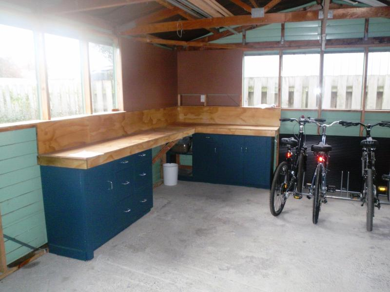 A lockable garage can be used for storing bikes and fishing of golf equipment.