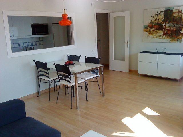 1ª linea, reformado, luminoso, todo exterior, perfecta ubicación., vacation rental in L'Hospitalet de l'Infant