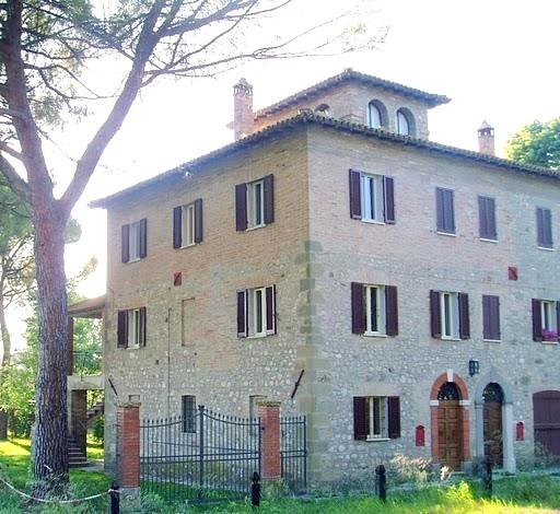 Front and side view - Todi 19 century country house