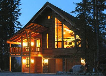 INUKSHUK : In this Timber Frame Cathedral have your morning coffee and pick your line from the breakfast table. Exclusive views of Kicking Horse Mountain Resort and the Rocky Mountains surround you from this recently renovated luxurious vacation home
