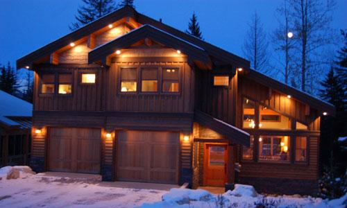 FIR TREE LODGE : Four bedroom home with loft only a short walk to Ski in and Ski out trails...
