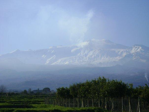 Etna vista da torre Archirafi