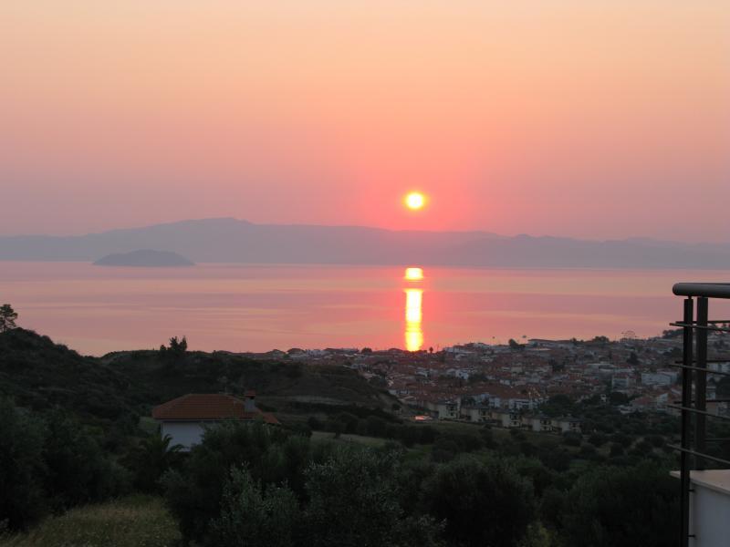 Sea View studio - Chalkidiki  Greece, holiday rental in Ouranoupoli