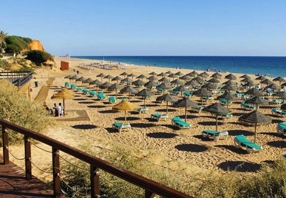 Villa à 8 min en voiture des longues plages de sable doré