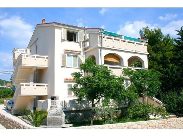 Apartments Vrtlici - Apartment A3, alquiler de vacaciones en Stara Novalja