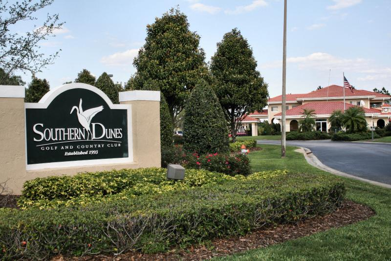 Southern Dunes Golf Course and Clubhouse